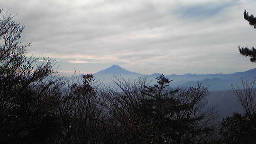 三頭山からの富士。